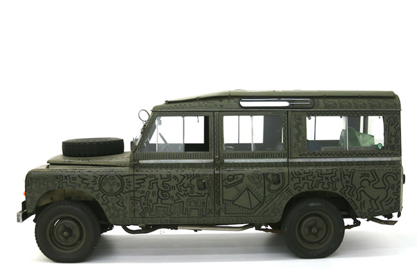 Haring Land Rover, left side