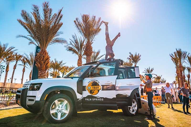 Performer On A TReK Land Rover At 4xFAR