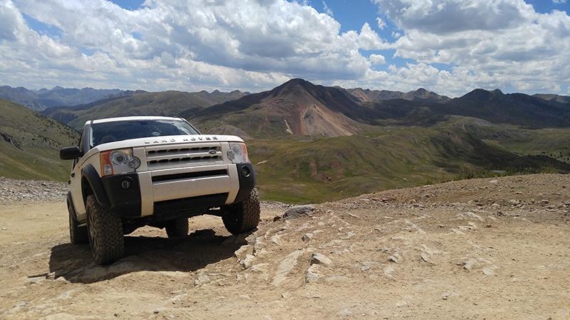 LR3 in the Engineer Pass - Colorado Rockies