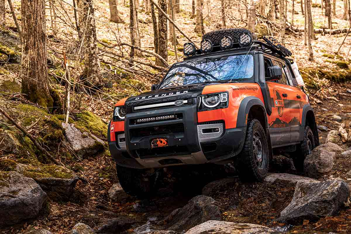 Defender Trek truck