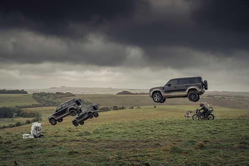 James Bond Land Rover Defender Ad