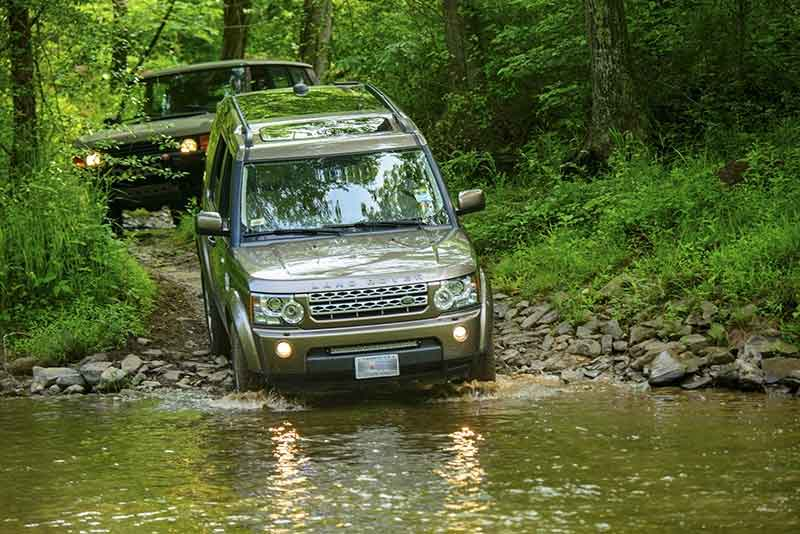 Land Rover Discovery Series II stream fording in Maryland