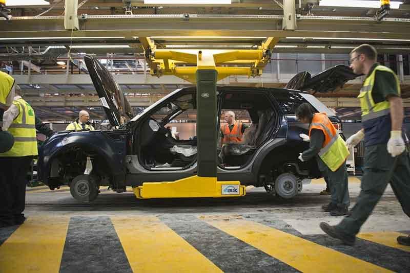 Range Rover Sport production line