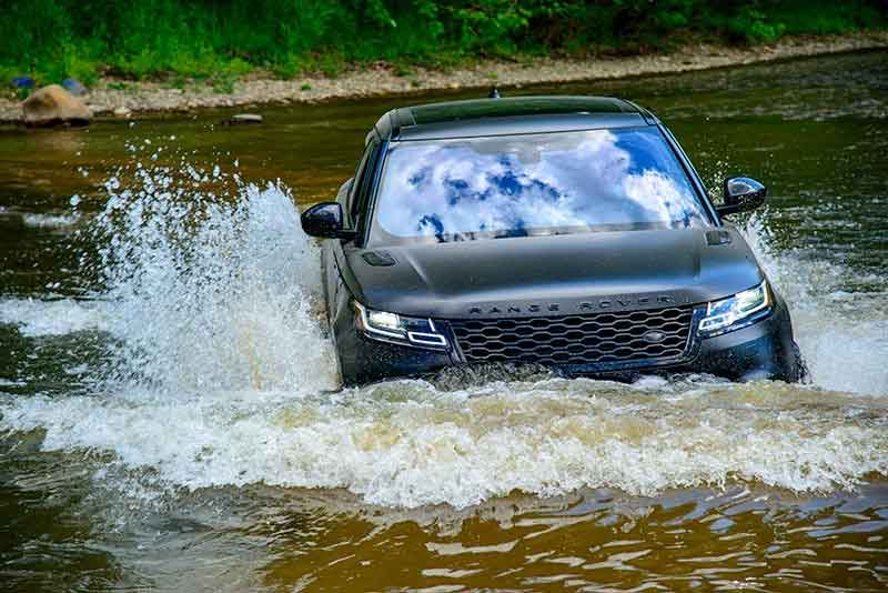 Range Rover Velar stream fording at Maryland off-road trail ride, June 2020