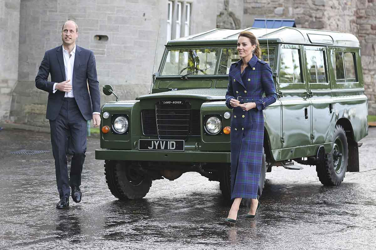 Will and Kate walk next to Series III 109